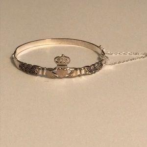 Jewelry - Claddagh bracelet!